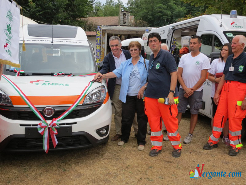 ambulanza del Vergante in festa 2015-8