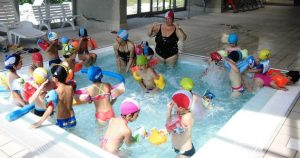 I bambini di Paruzzaro in piscina