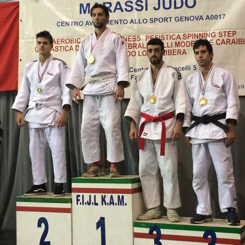 Cascino sul podio di Genova (cintura rossa)