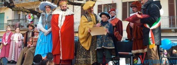 Re Falcett e la sua corte